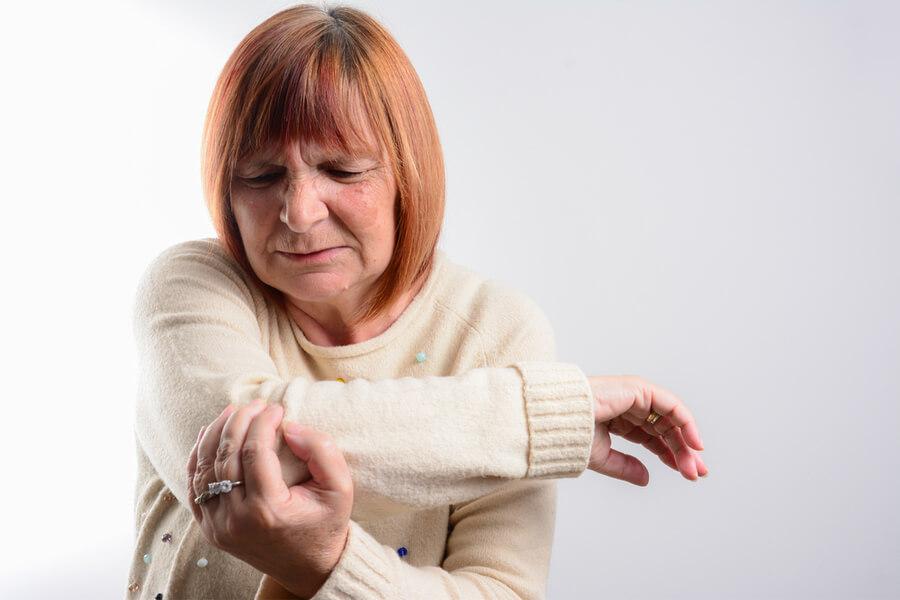 könyök porcleválás tünetei fáj a bal hátsó ízület